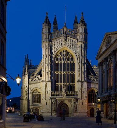 Bath Abbey at twilight. (Photo by DAVID ILIFF. License: CC-BY-SA 3.0)